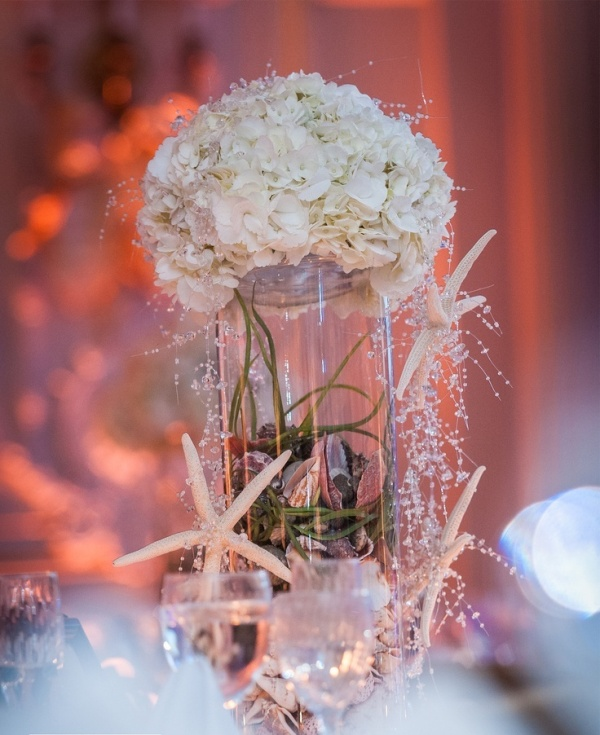 Picture of amazing beach wedding centerpieces