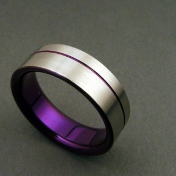 a wedding ring with purple inside is a gorgeous idea to memorize your wedding color scheme