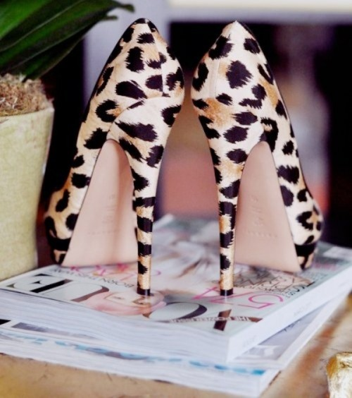 leopard print wedding shoes is a very daring and bold idea for a bride