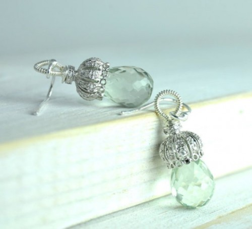 mint and silver earrings with a veyr quirky and creative design look chic and romantic
