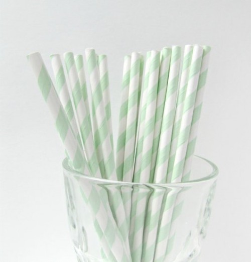 mint and white striped straws will add a color touch to the wedding in mint