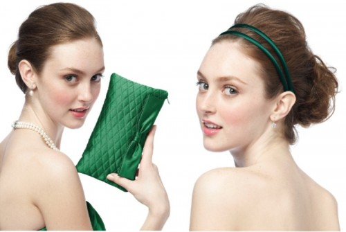 emerald clutches and headbands are a simple way to add emerald to your bridesmaids' looks