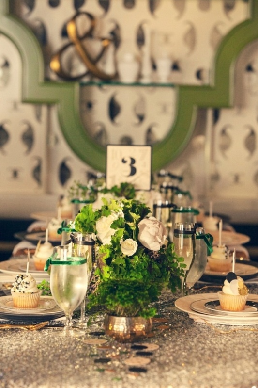 emerald and white wedding centerpieces are a cute idea for refreshing your table