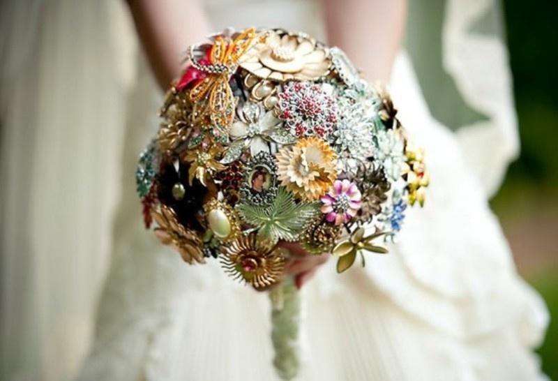 40 Unique And Non-Traditional Wedding Bouquets - Weddingomania