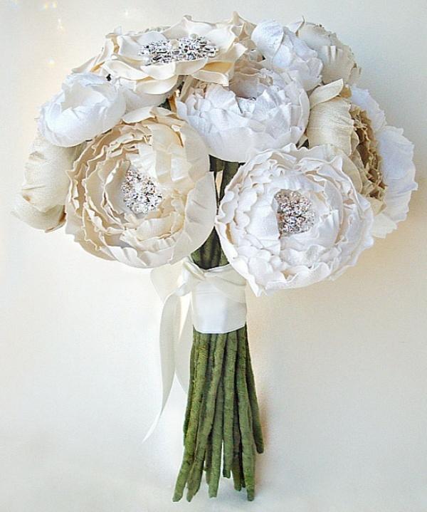 Wedding Bouquet Ideas Non Flower : Unique and non traditional wedding bouquets weddingomania