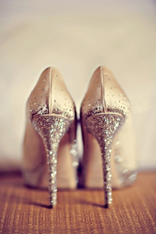 champagne-colored shoes with glitter shiny high heels are a lovely idea for a glam bride