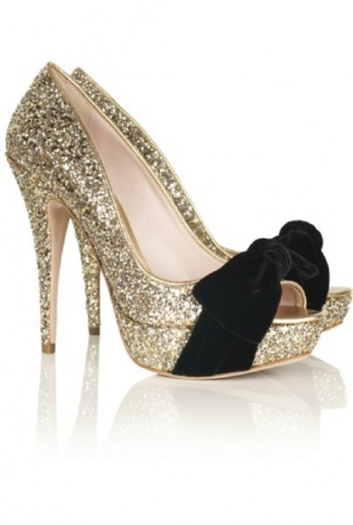 gold glitter platform peep toe shoes with black velvet bows are lovely for a glam bride