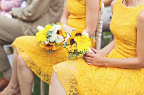 bold yellow lace A-line knee bridesmaid dresses are great for a spring wedding, especially for a rustic one