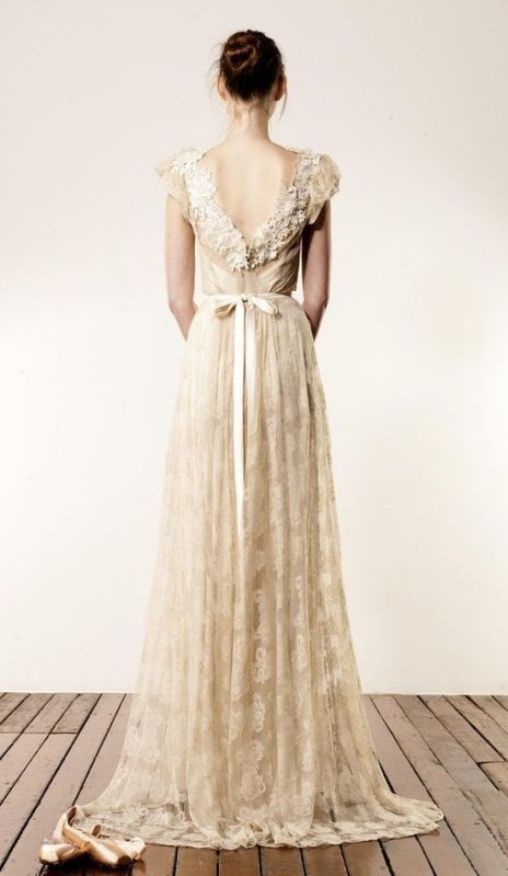 a refined open back with floral lace that accents it will give a slightly chic touch to the wedding dress