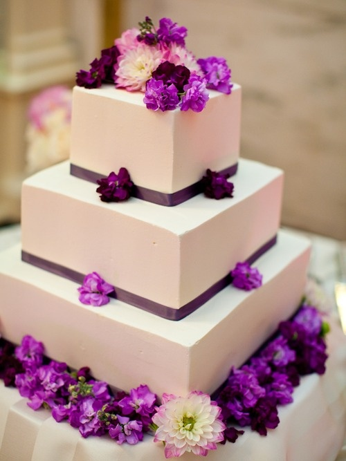 5 Hottest Wedding Cake Types Of · © Muriel Silva