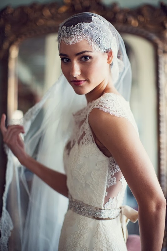 5 Ways Of Wearing Gorgeous Mantilla Veil