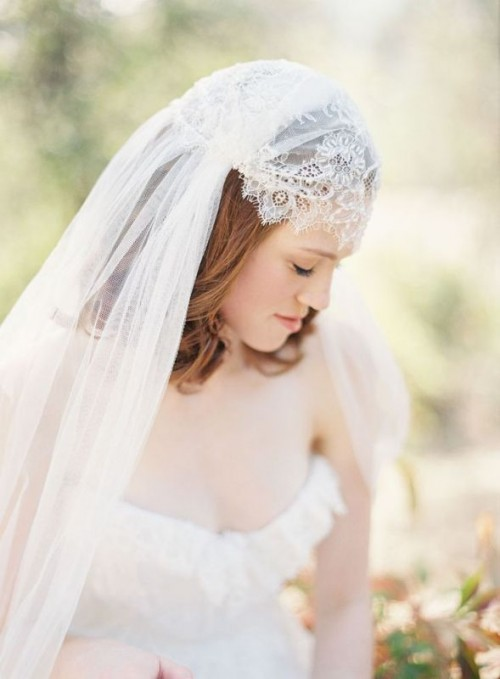 5 Ways Of Wearing Gorgeous Mantilla Veil Weddingomania