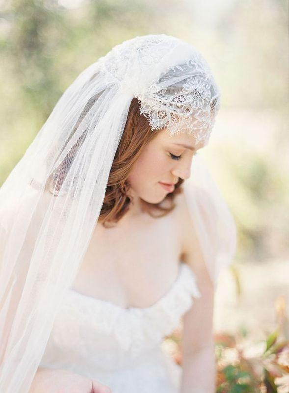 5 Ways Of Wearing Gorgeous Mantilla Veil