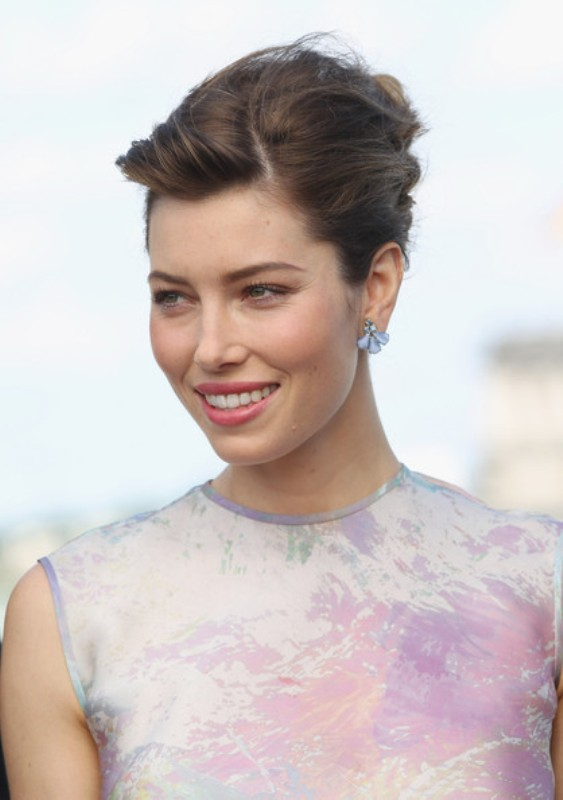 a voluminous and messy updo with a messy top is a nice idea for medium and short hair