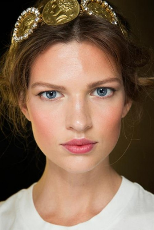 6 Must-Haves For Creating Romantic, Fresh Faced And Modern Bridal Look