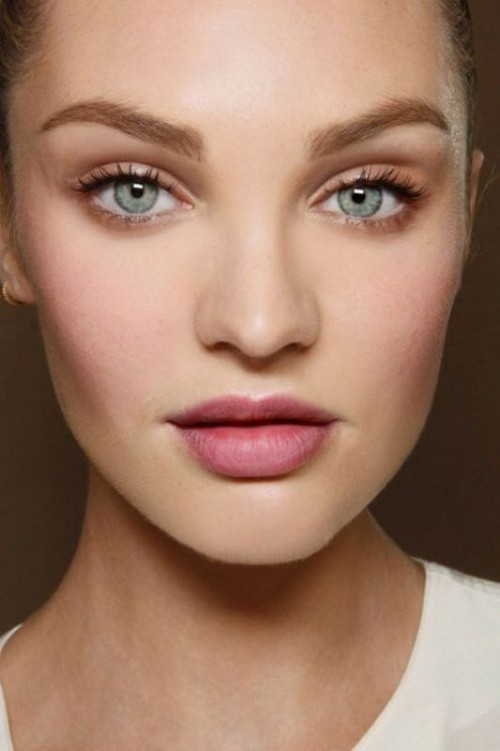 How to how to apply makeup for blue eyes : 6 Must-Haves For Creating Romantic, Fresh Faced And Modern ...
