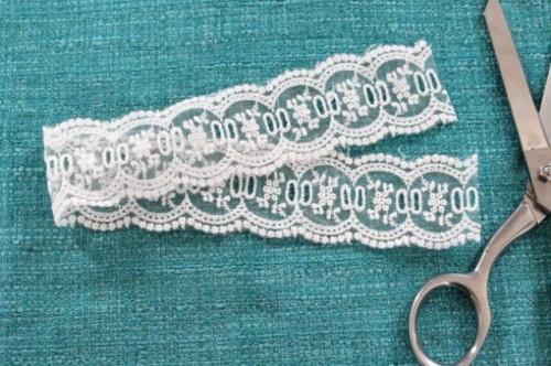 DIY Lace 'Something Blue' Bridal Garter