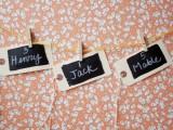 Easy-To-Make DIY Chalkboard Escort Cards6