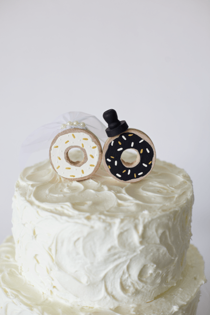 funny diy donut wedding cake topper weddingomania