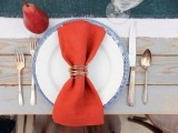 Glamorous DIY Gold Wire Napkin Rings For Fall Weddings8