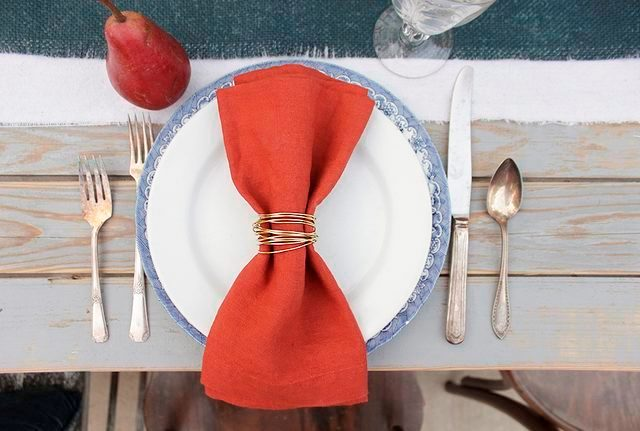 Picture Of Glamorous DIY Gold Wire Napkin Rings For Fall Weddings 8