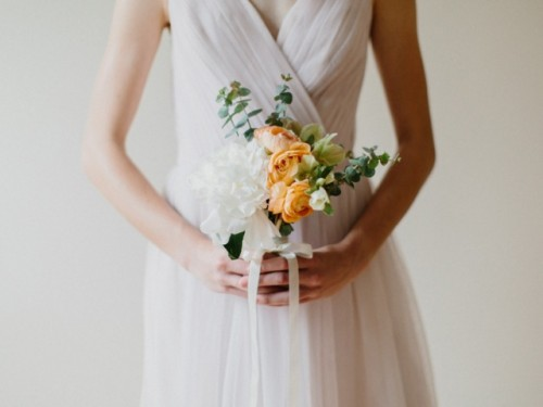 Lovely DIY Bridesmaid Posies With Roses And Peonies