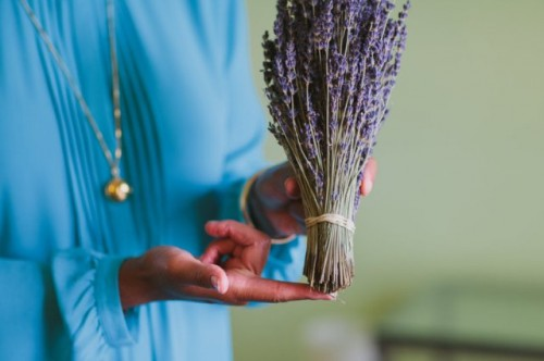 Lovely DIY Fresh Lavender Wedding Bouquet - Weddingomania