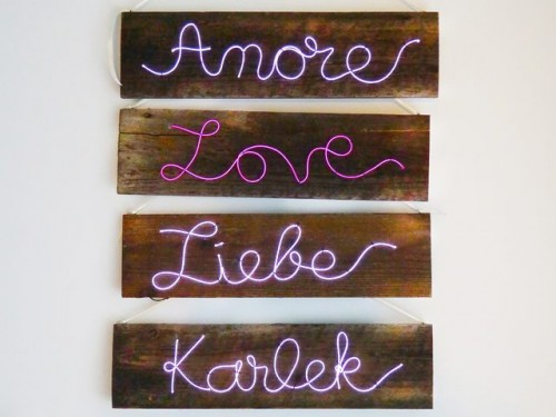 Lovely DIY Illuminated Sign For Your Wedding