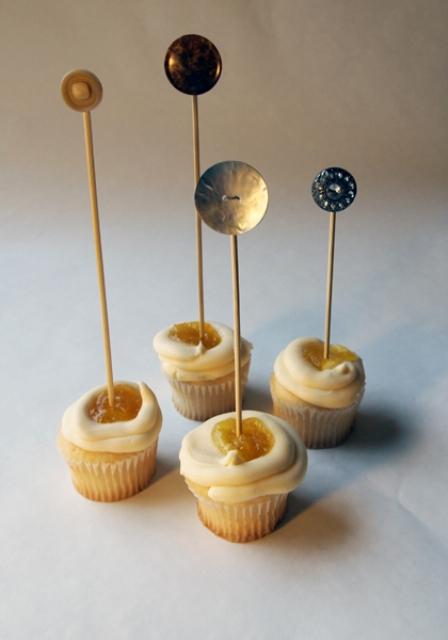 Original DIY Wedding Button Cupcake Toppers