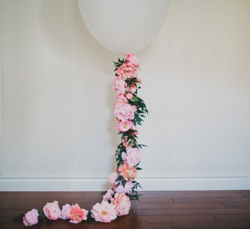 Romantic DIY Balloon With Silk Flowers For Weddings