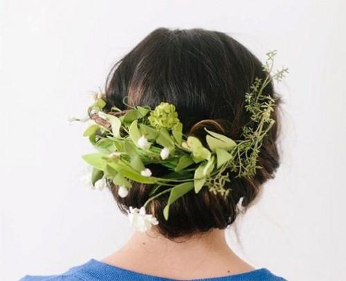 Romantic DIY Bridal Floral Twist Up