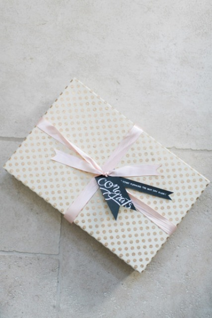 Useful DIY Wedding Planning Kit
