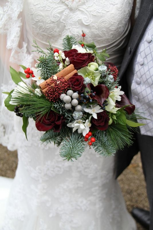 33 adorable christmas wedding bouquets traditional and not only