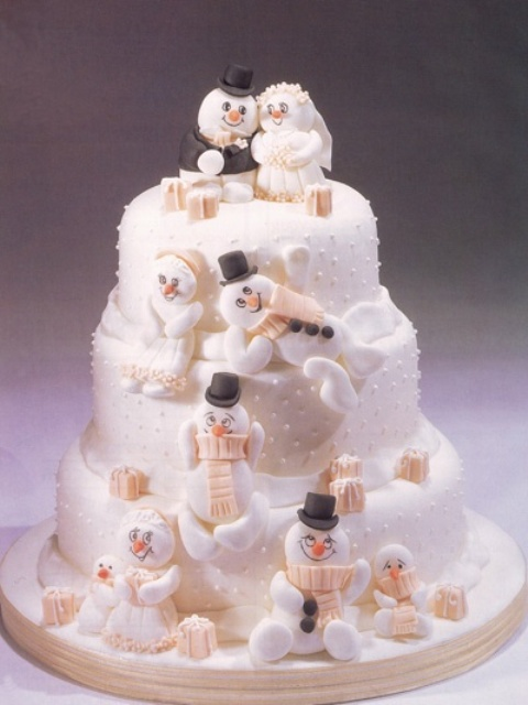 xmas themed wedding cakes 30 adorable wedding cakes weddingomania 27680