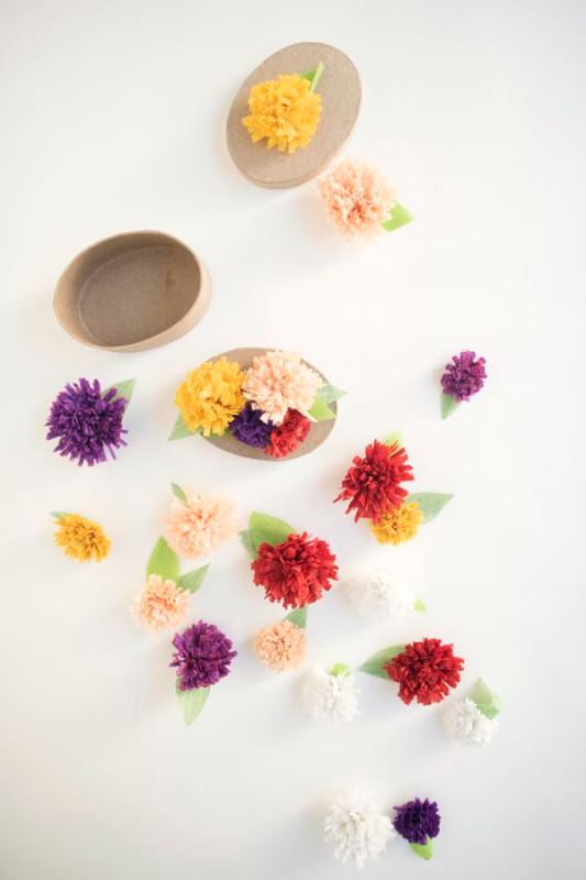 Picture Of adorable diy fall paper flower favors for your wedding guests  2