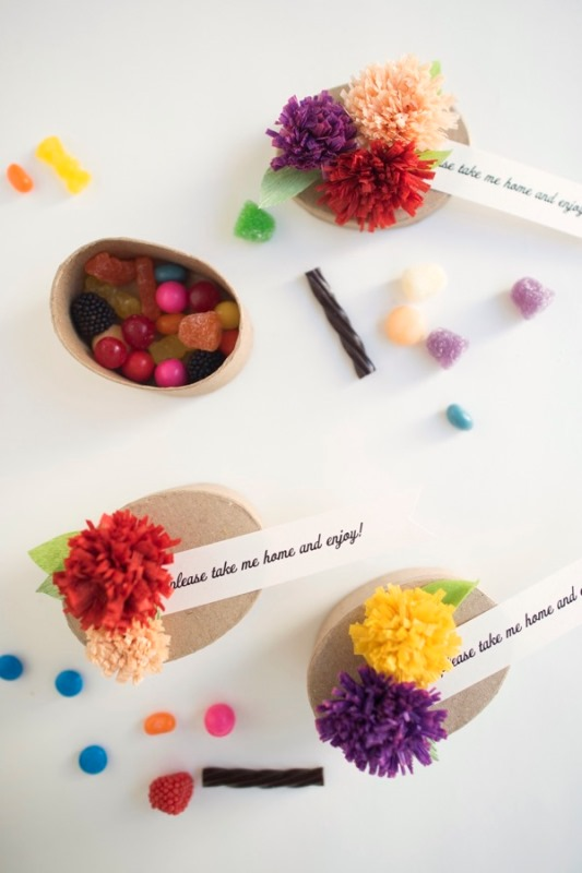 Picture Of adorable diy fall paper flower favors for your wedding guests  3