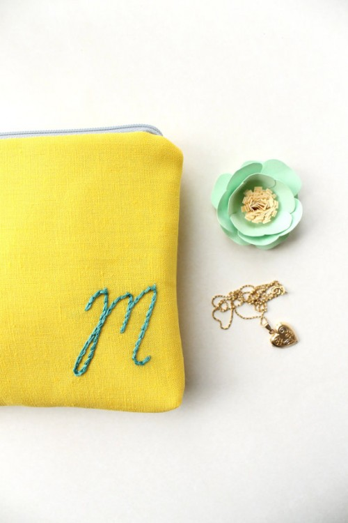 20 Adorable Monogrammed Bridesmaid Gifts
