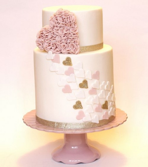 30 Adorable Valentine's Day Wedding Cakes