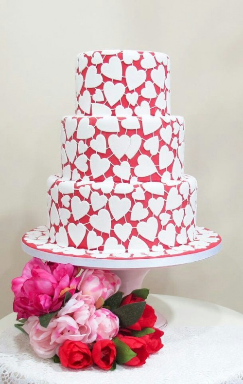 30 Adorable Valentine S Day Wedding Cakes Weddingomania