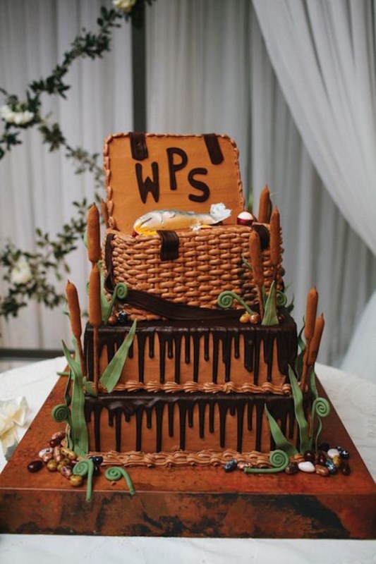Picture Of all about grooms cake tradition and 30 garish examples to please your man  26