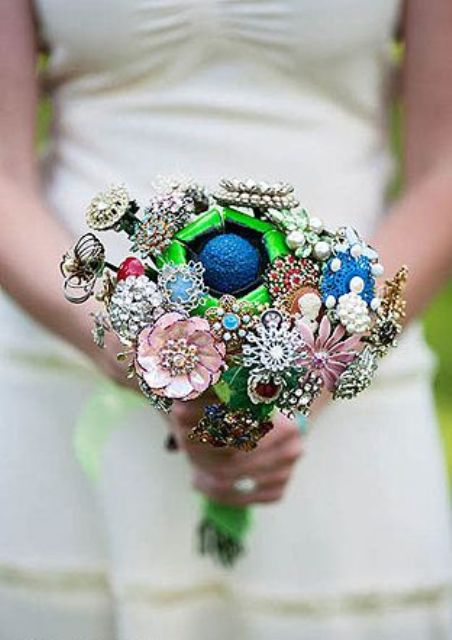 a colorful brooch wedding bouquet is a lovely and cool idea for a vintage-loving bride