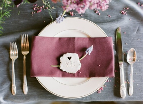 Amazing DIY Love Tokens For Your Wedding Table Setting