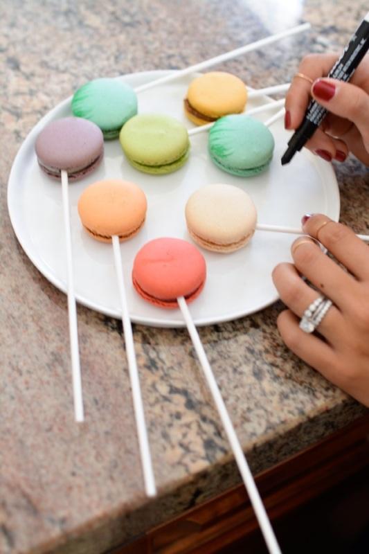 Amazing Diy Macarons Cake Topper With Edible Ink | Weddingomania