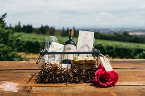 Amazing DIY Winery Themed Wedding Welcome Basket