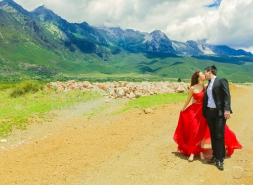 Amazing Out-Of-The-Country Engagement Session