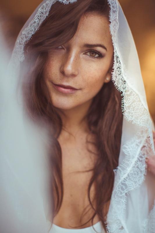 Picture Of amazingly eclectic boho folk wedding inspiration  13