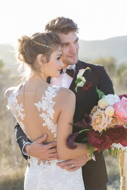 Picture Of astonishing glam meets boho wedding in jewel tones  28