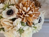 a neutral bouquet with amber blooms and leaves is a stylish idea for a fall bride