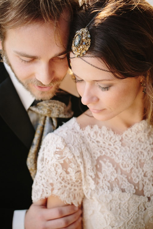a chain and an oversized rhinestone pendant headpiece for a boho bride will add a touch of vintage