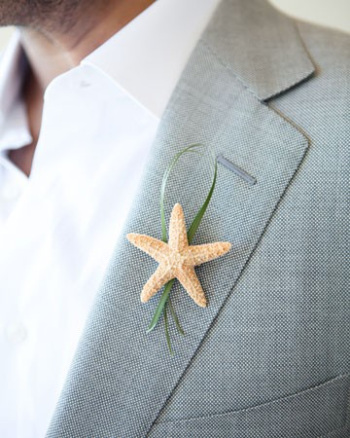 starfish and beach grass boutonniere (via betterhalfweddings)
